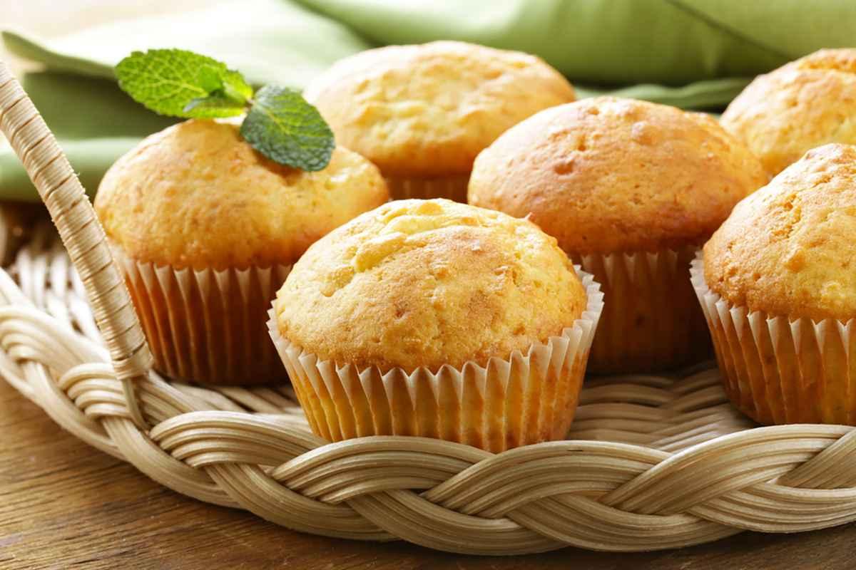 Ricetta Muffin Semplice.Muffin Senza Burro La Ricetta Base E La Variante Al Cioccolato Buttalapasta
