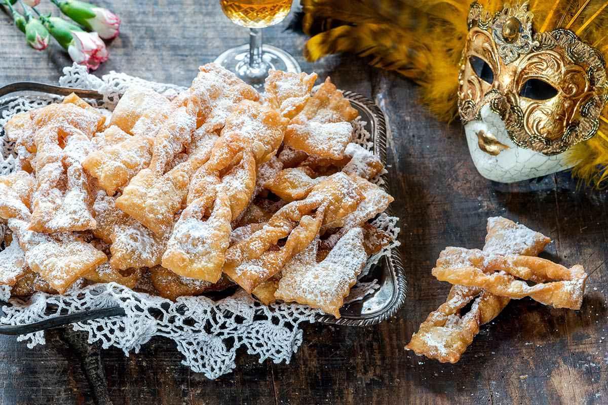 Chiacchiere di Carnevale: 14 ricette facili e sfiziose