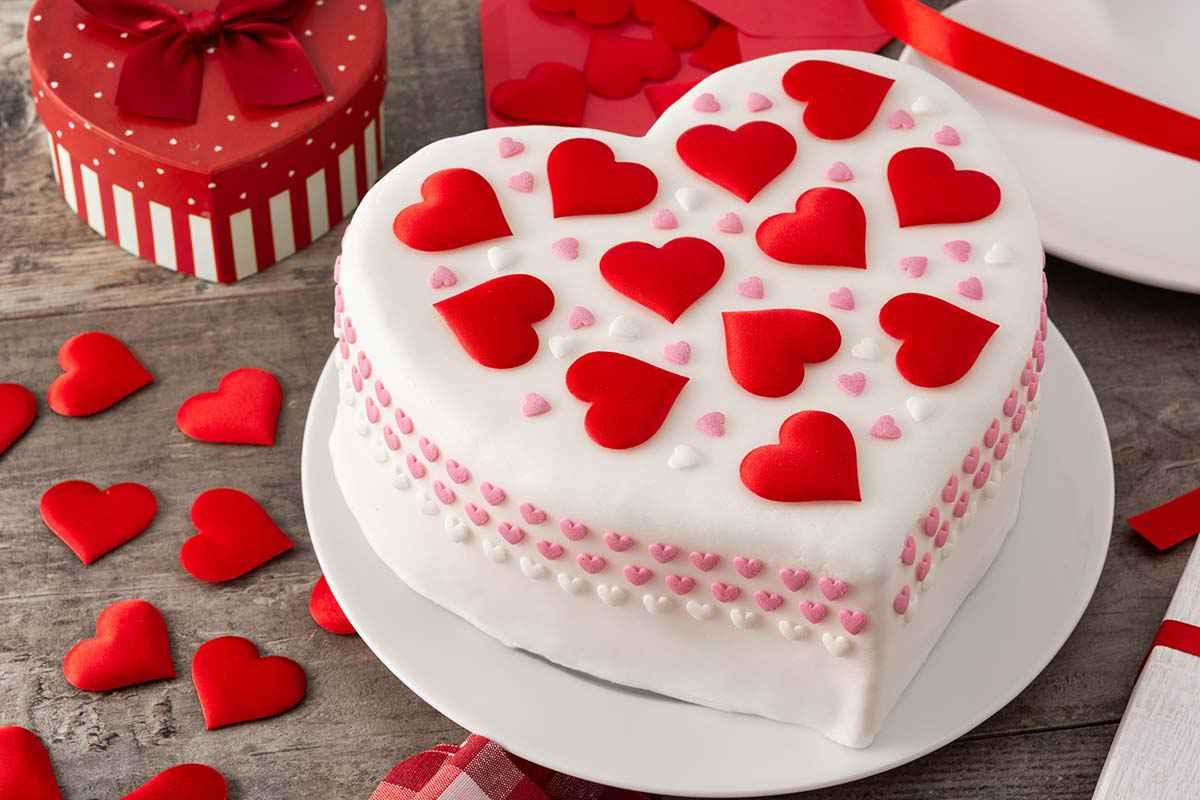 Torte di San Valentino facili: le migliori ricette da preparare per stupire il tuo partner