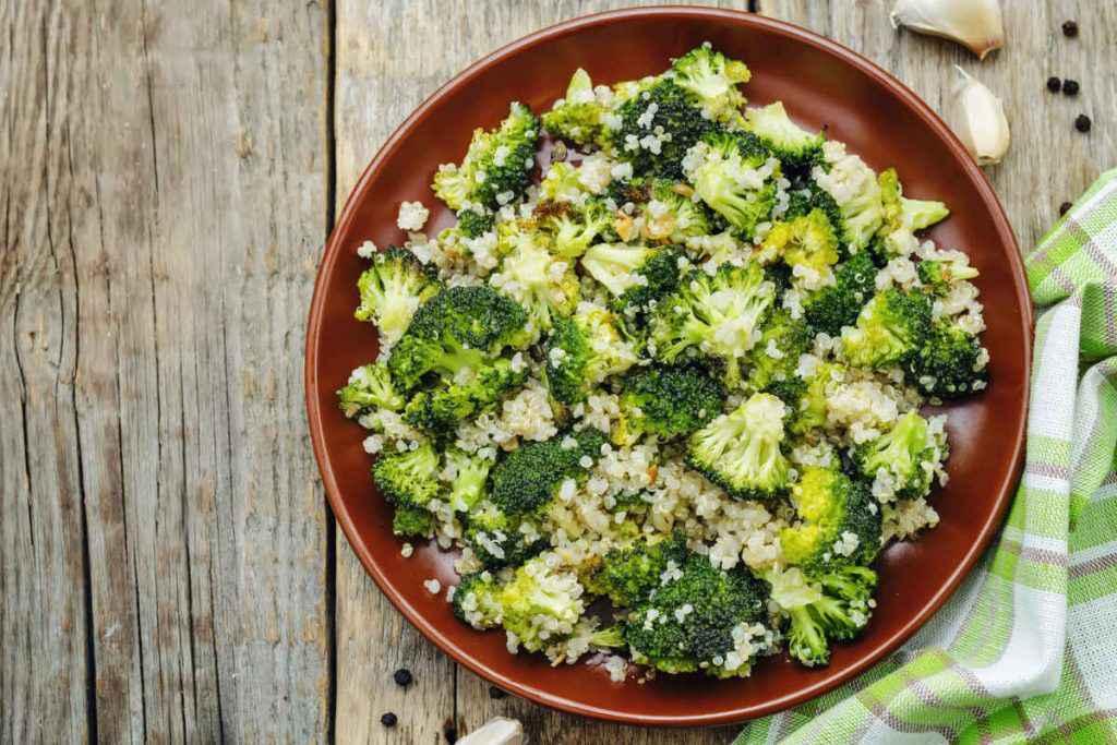 quinoa con broccoli