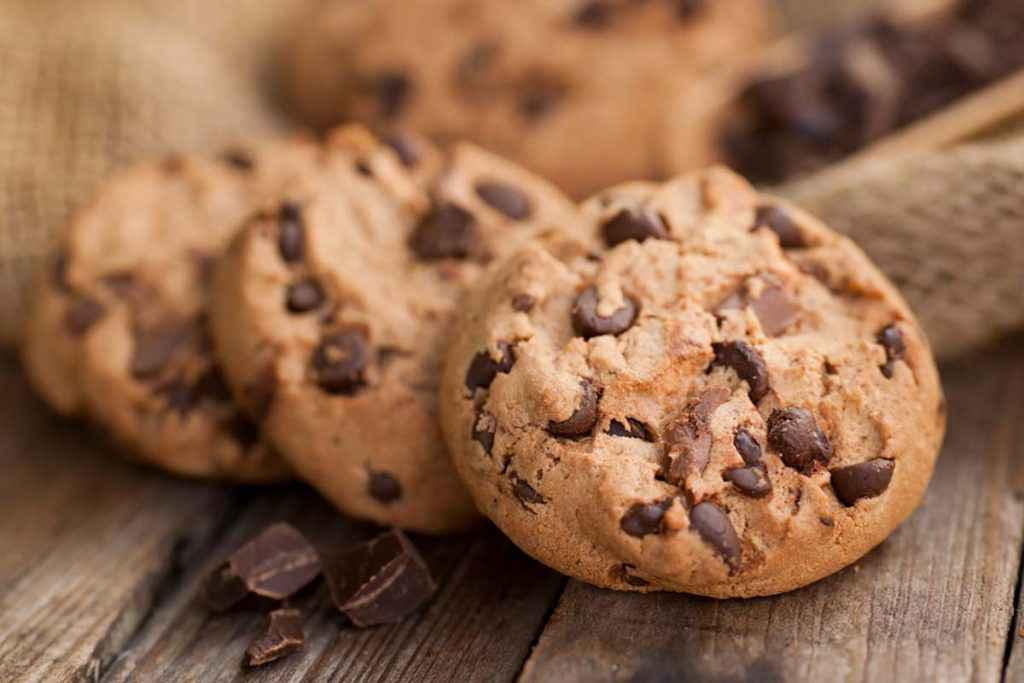 Biscotti senza uova con cioccolato