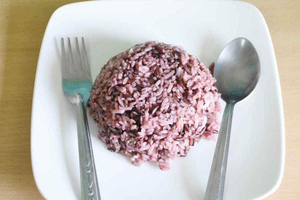 porzione di timballo di riso al radicchio