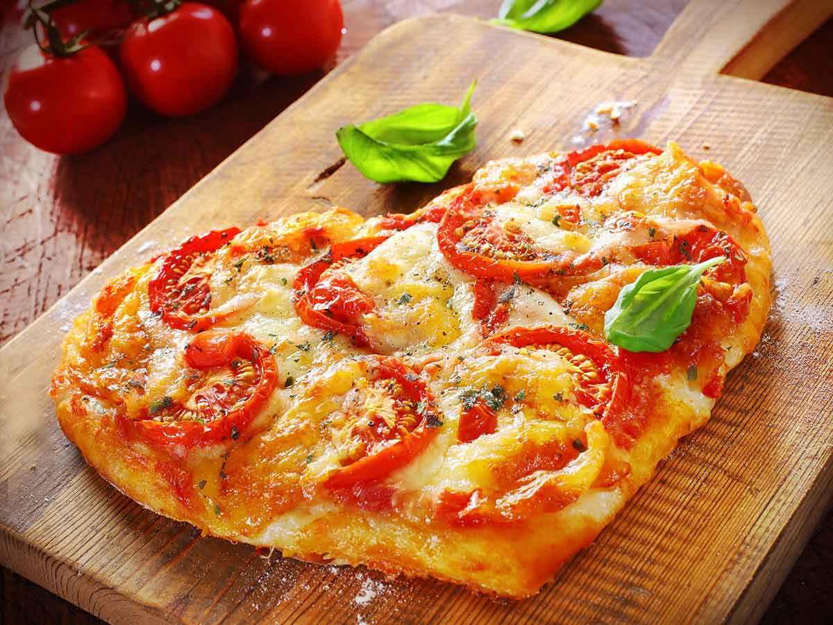 Giornata mondiale della pizza: 15 ricette facili per farla a casa