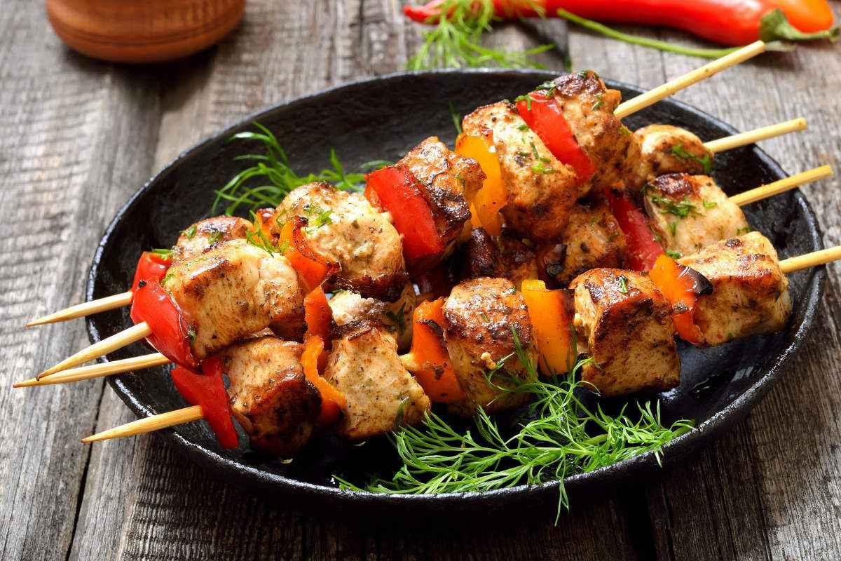 Spiedini al forno: 10 ricette facili e veloci
