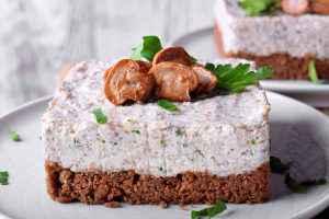 cheesecake salata ai funghi