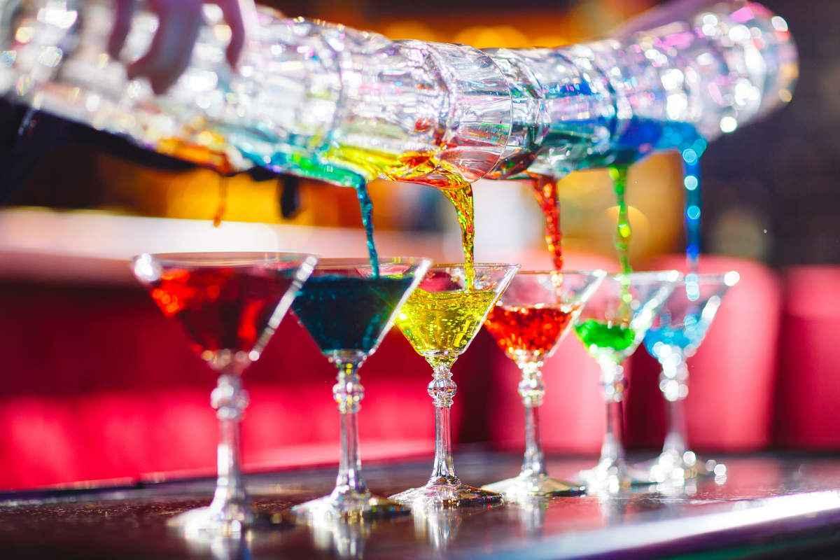 Cocktail colorati: 15 ricette semplici di alcolici e analcolici