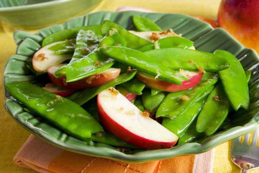 insalata di taccole e mele