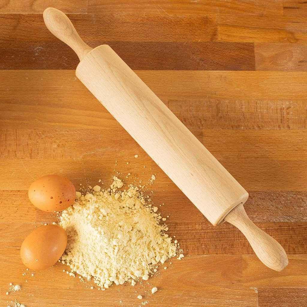 come tirare la sfoglia con il matterello in legno di faggio