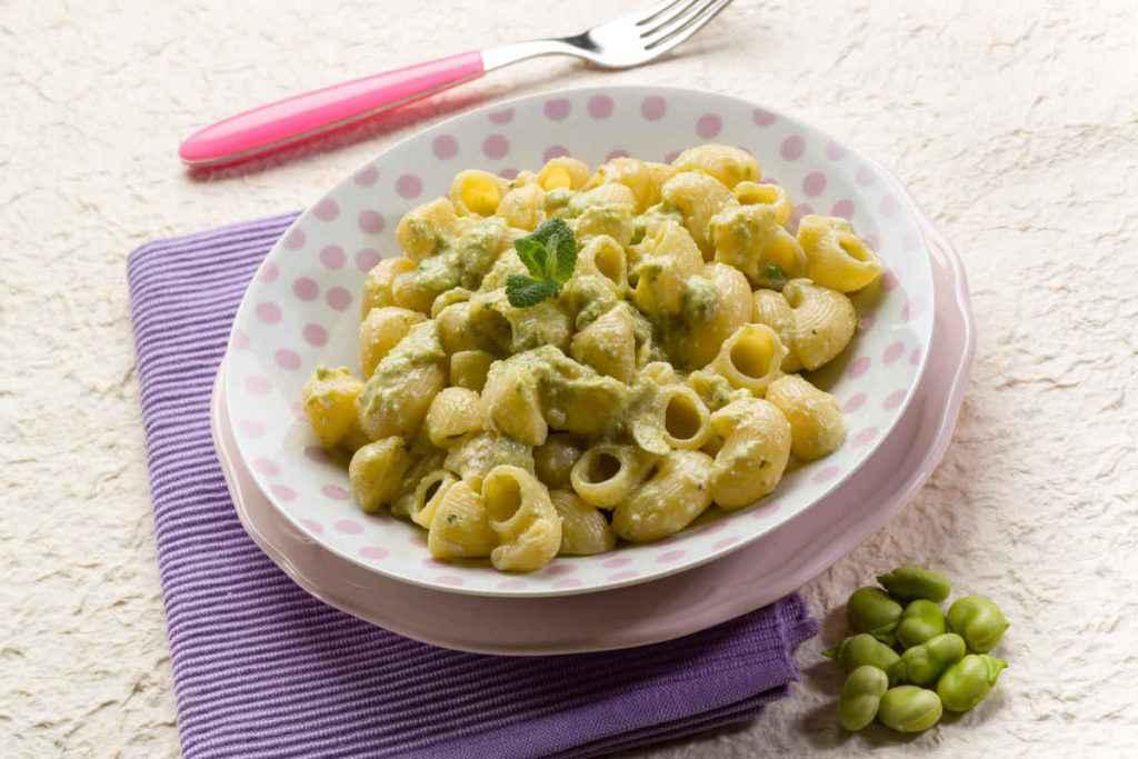pasta con fave e ricotta primi piatti siciliani