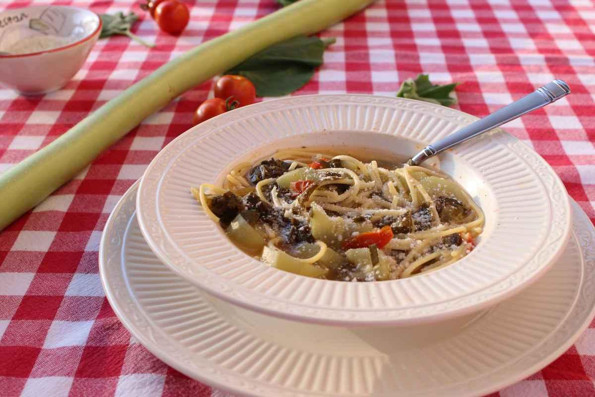 pasta tenerumi e cucuzza primi piatti siciliani tipici
