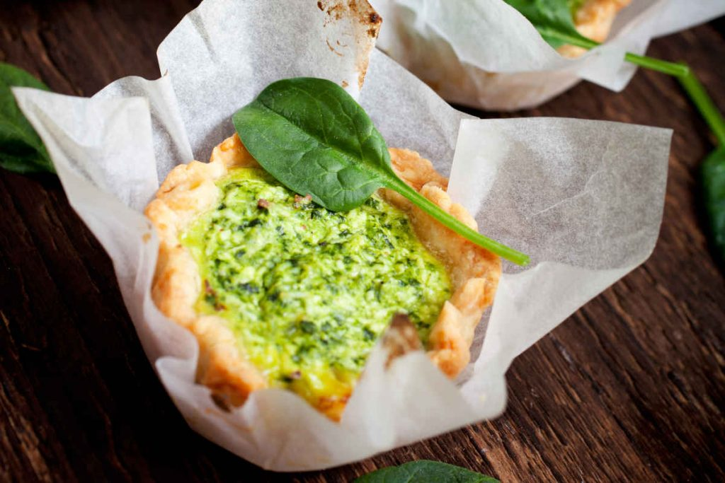 crostatine salate con ricotta e spinaci