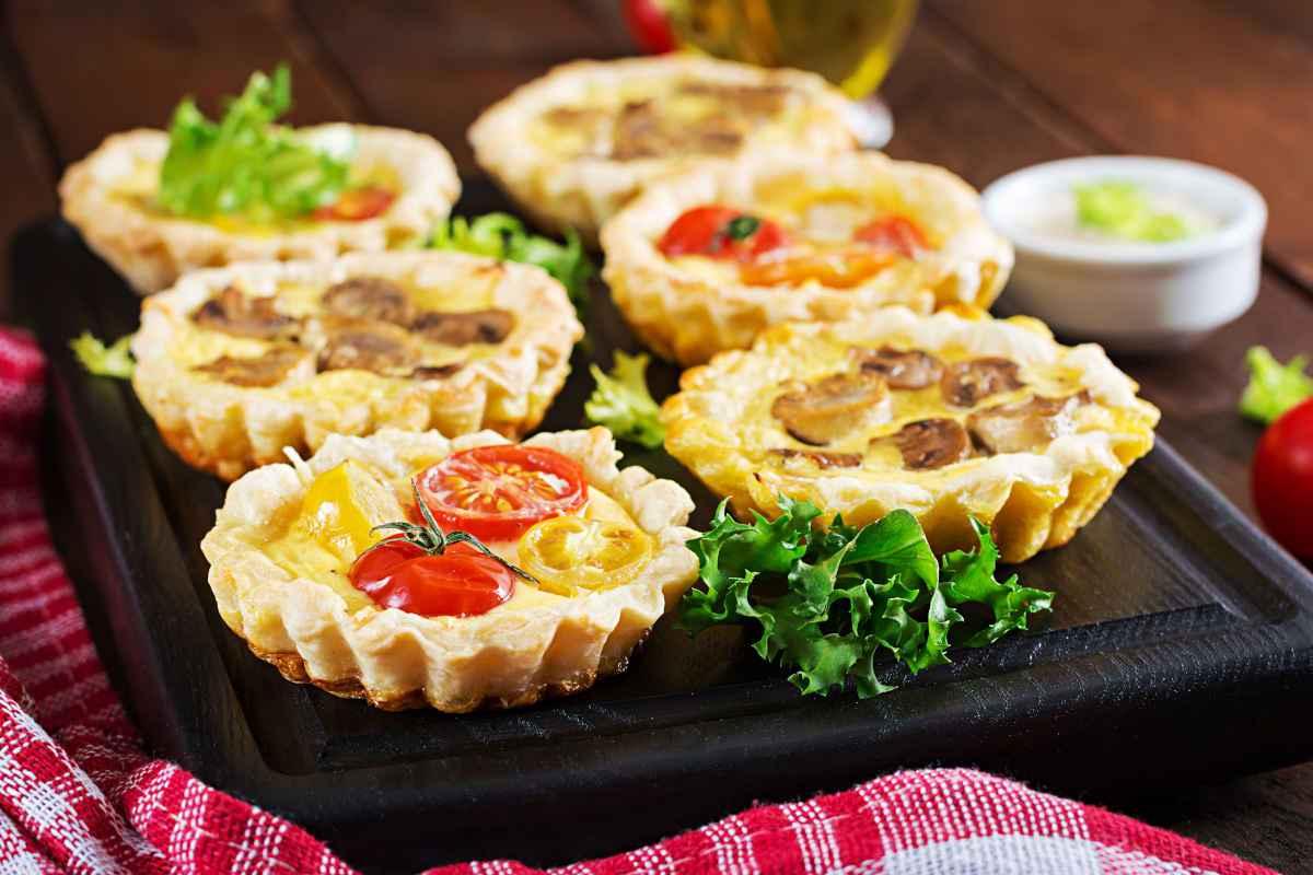 Crostatine salate: 3 ricette vegetariane facili e saporite