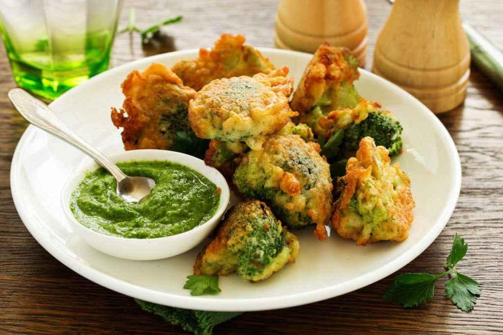 frittelle salate di broccoli in pastella