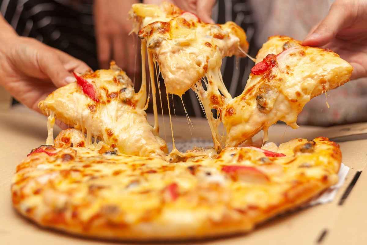 no diet day giornata contro le diete pizza filante