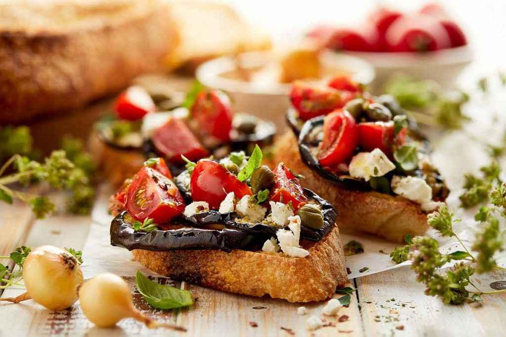 bruschette estive con verdure ricette facili veloci e sfiziose vegetariane