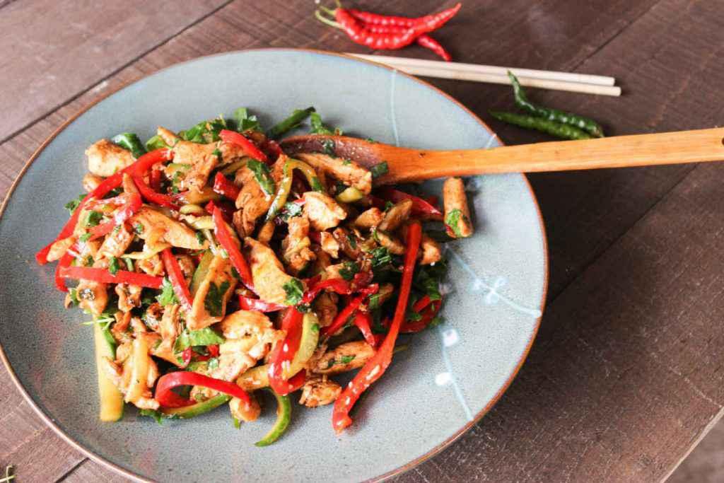 come fare insalata di pollo cinese