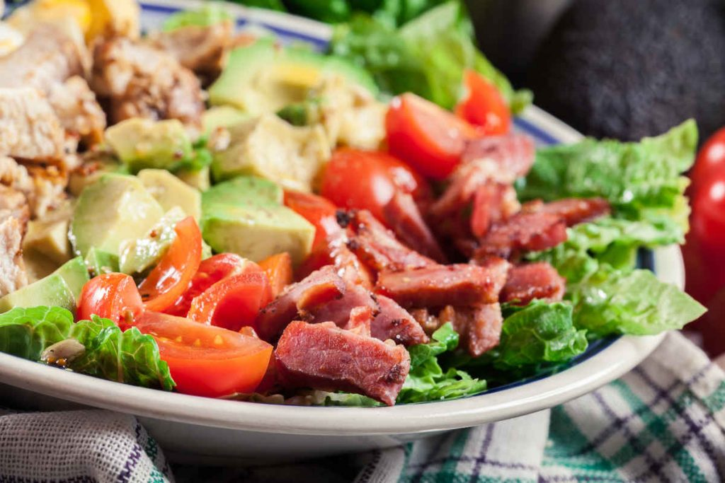 insalata avocado e pancetta