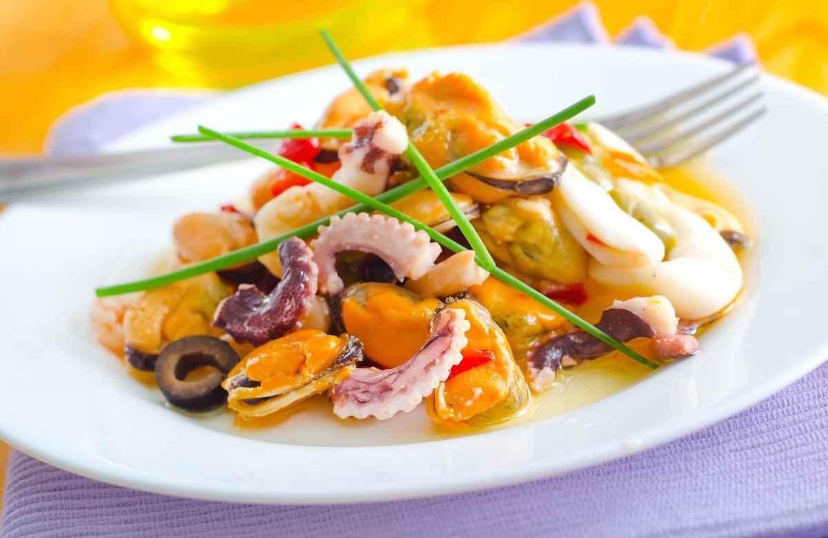 insalate sfiziose con il pesce e frutti di mare