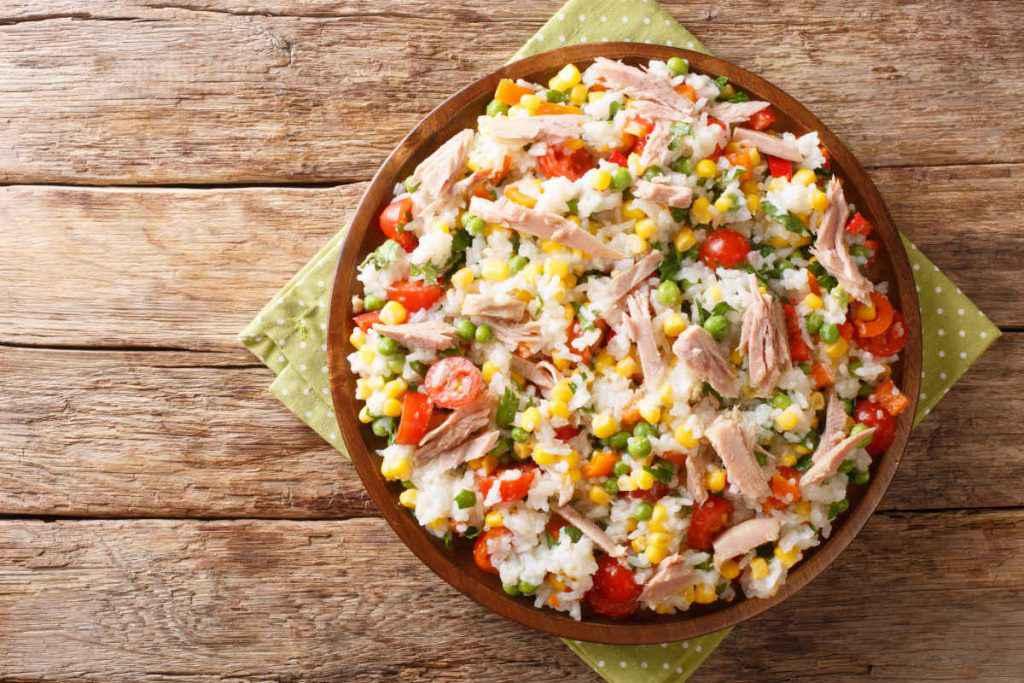 insalate sfiziose con pesce insalata di riso di mare