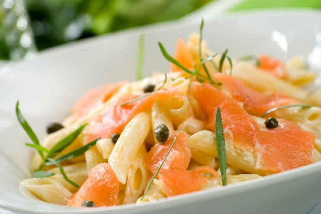 pasta fredda con salmone primi piatti estivi