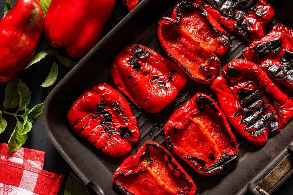 peperoni grigliati sulla piastra