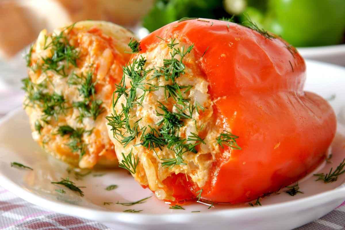 peperoni ripieni vegetariani ricette facili con verdure riso o formaggio