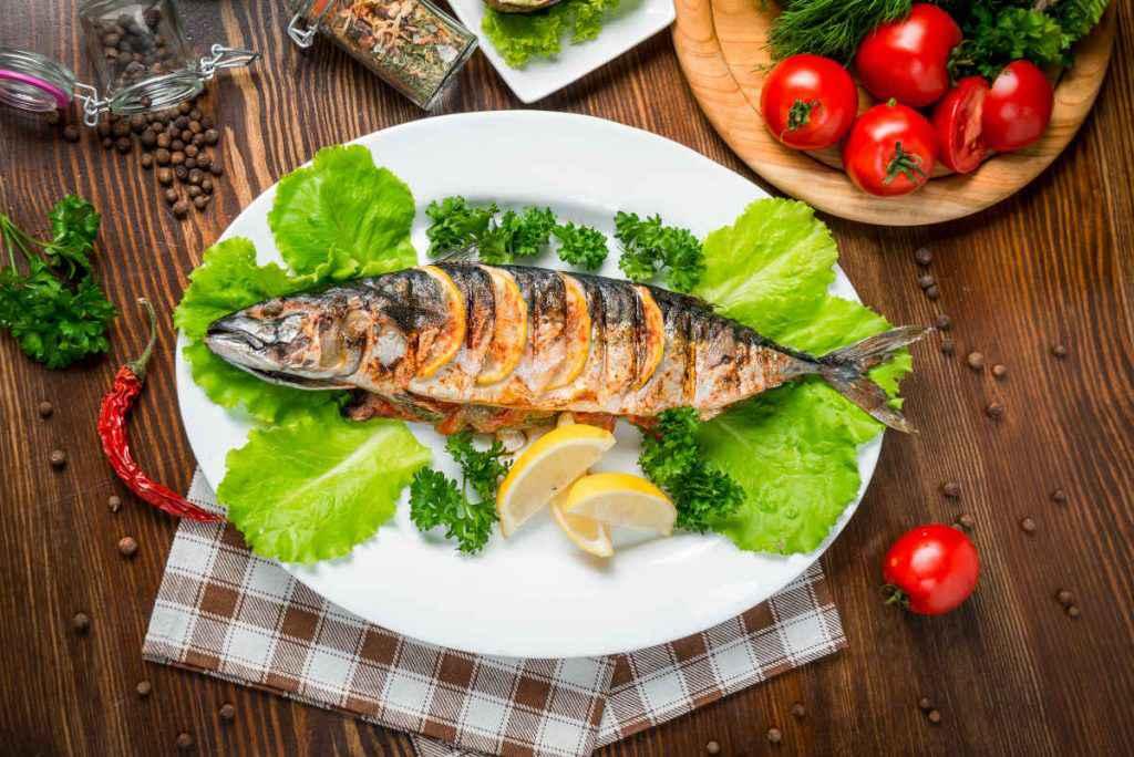 pesce alla griglia sgombri grigliato