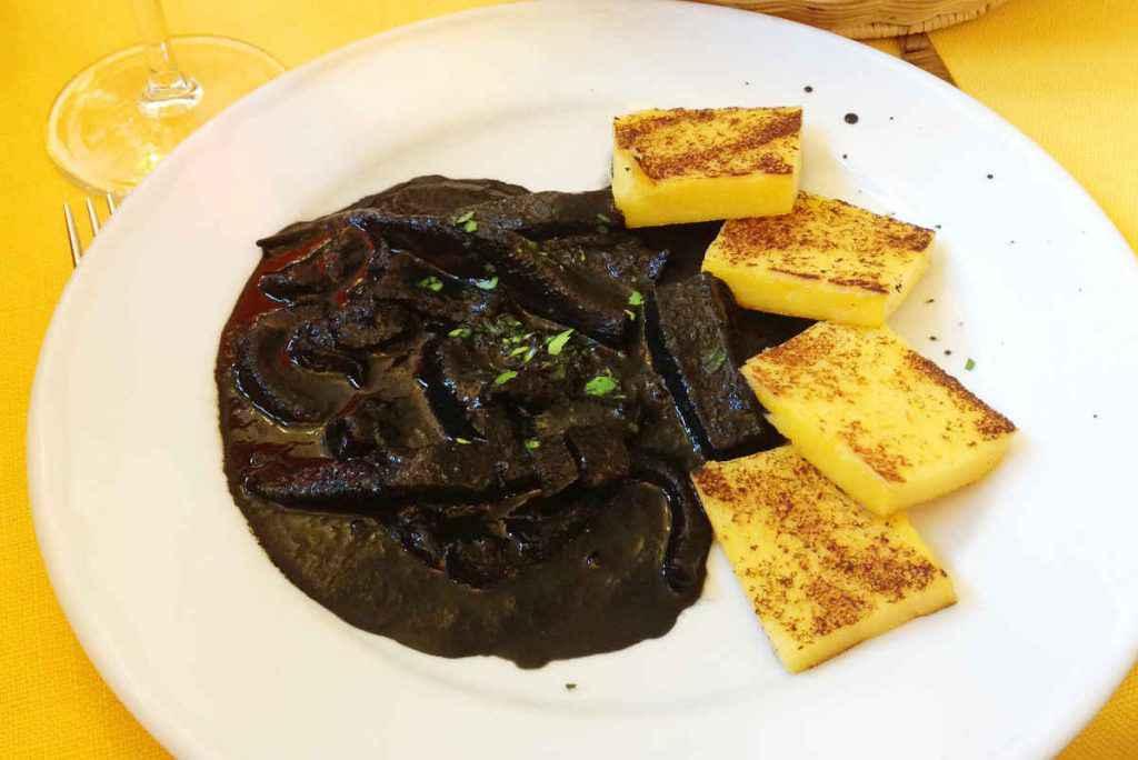 seppie al nero con polenta