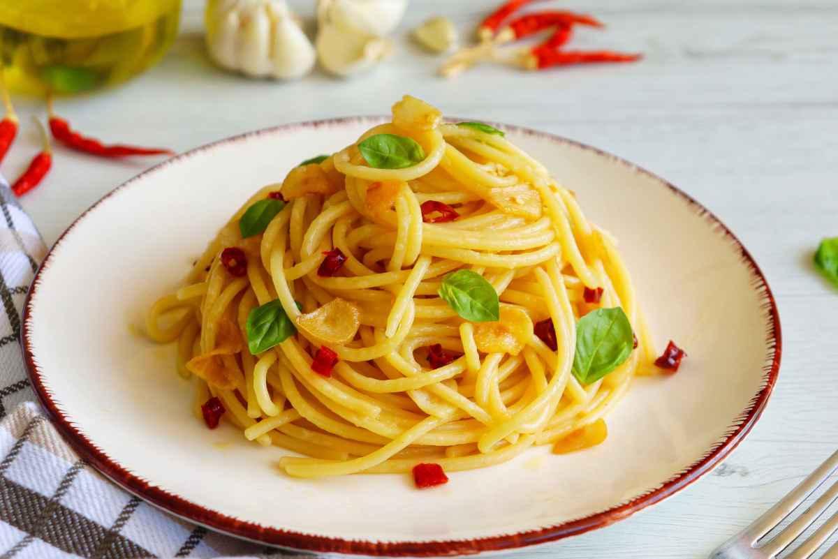 Come fare una spaghettata di mezzanotte perfetta: 12 ricette facili
