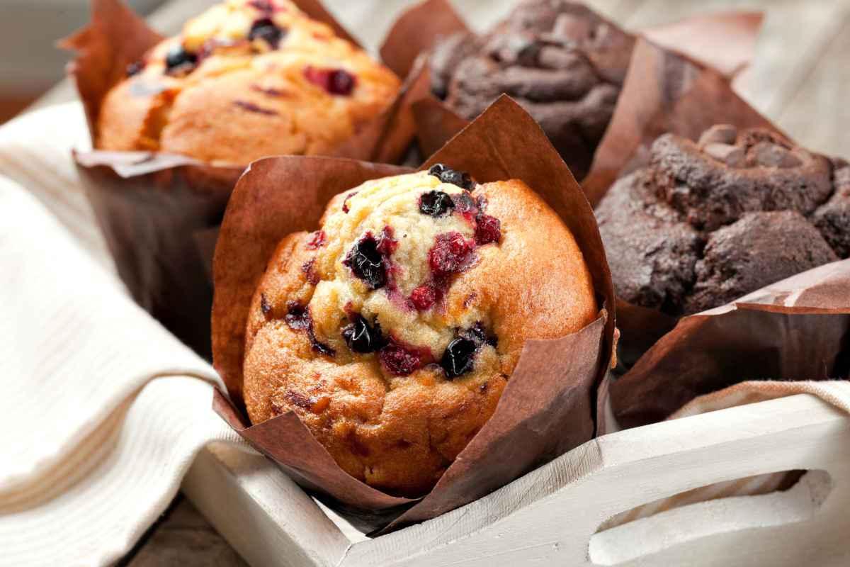 muffin dolci alla frutta e al cioccolato