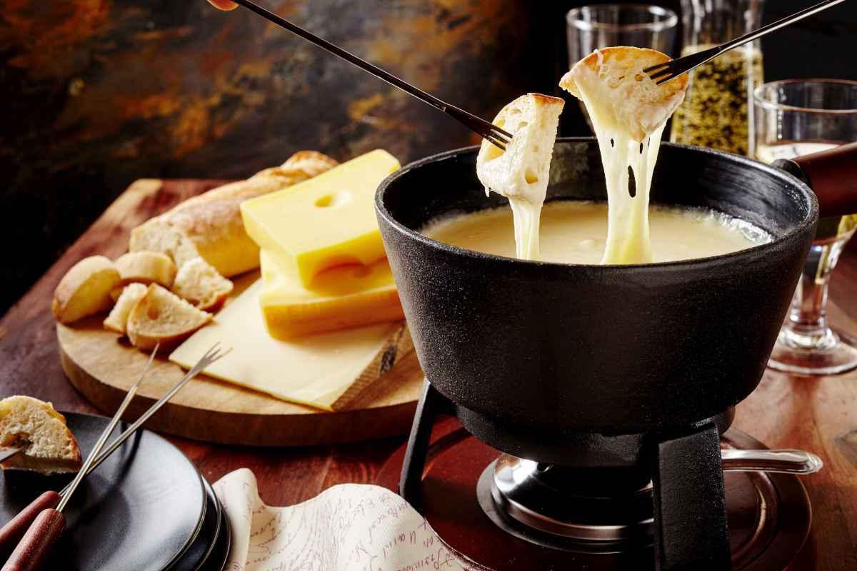 set per fonduta di formaggio