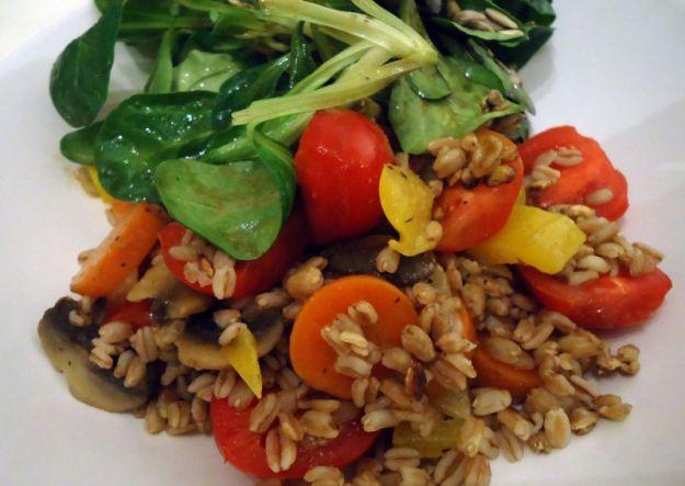 Insalata di farro e verdure