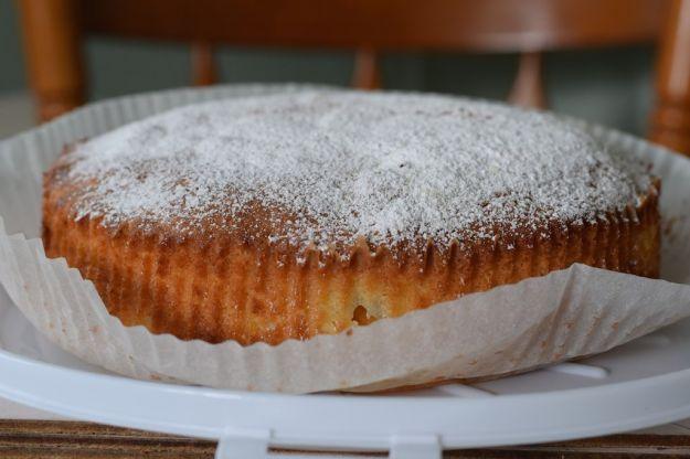 Torta con albicocche sciroppate