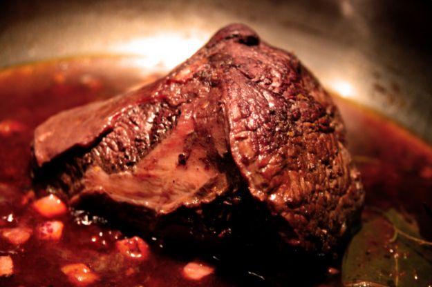 Agnello con salsa al vino rosso
