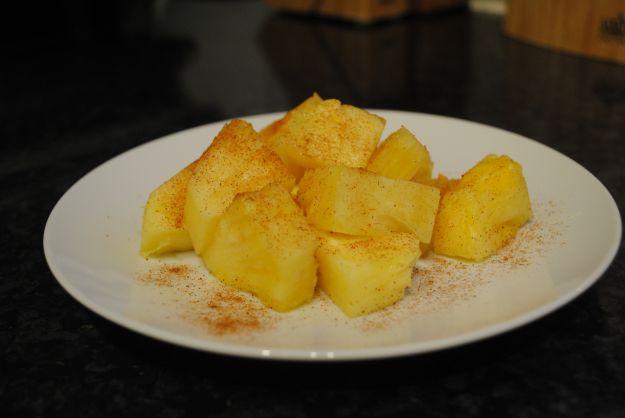 Ananas alla cannella e zafferano