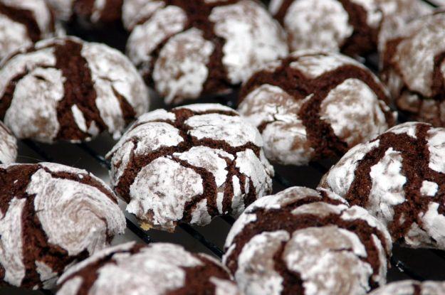 Biscotti di Natale con le nocciole e il cioccolato