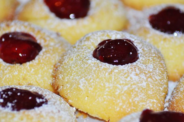 biscotti riprieni marmellata