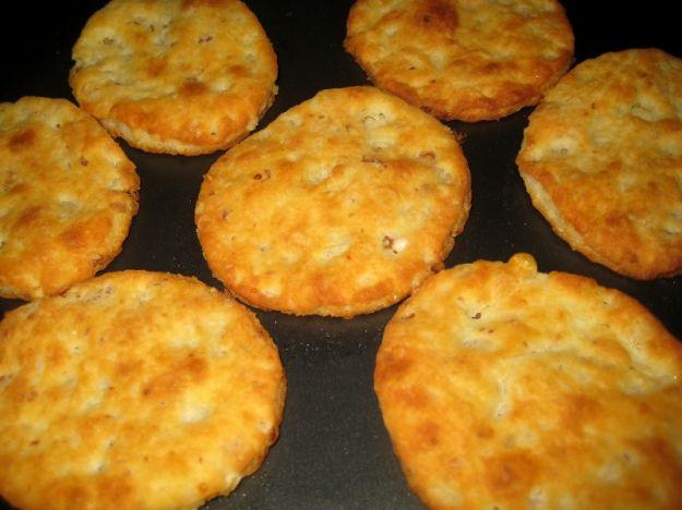 Biscotti salati al parmigiano