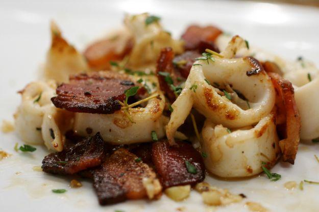 Calamari piccanti con la pancetta