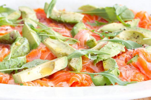 Carpaccio di salmone con avocado