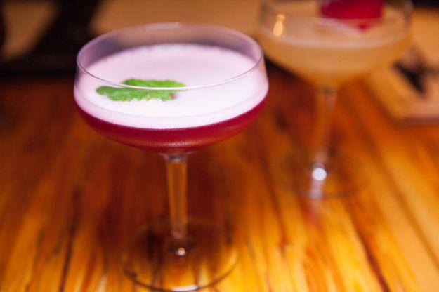Cocktail di ananas e mirtilli