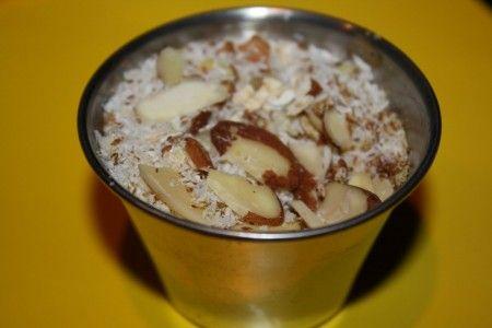Dessert di fiocchi di miglio e yogurt