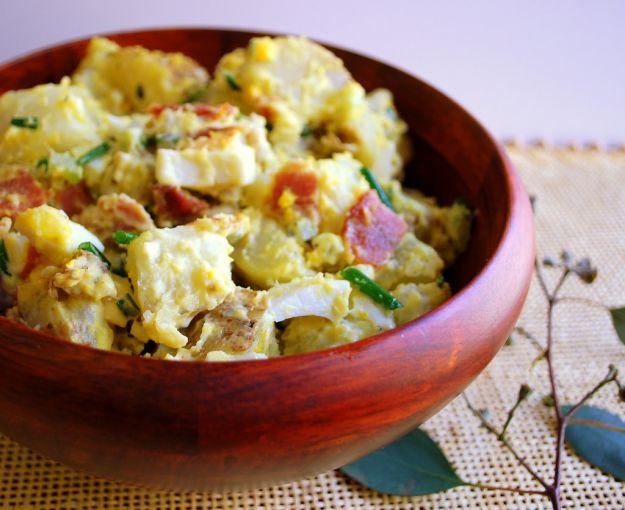 Insalata di patate con pancetta e cetriolini