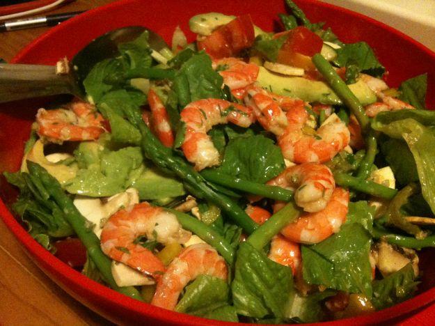 Insalata di asparagi, gamberetti e champignon