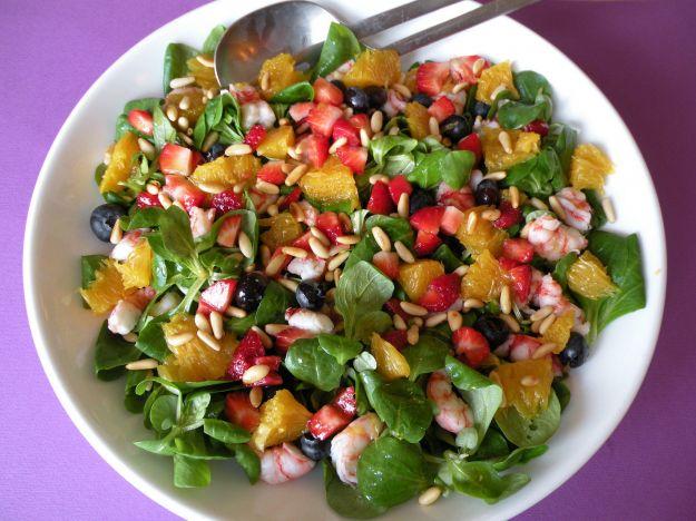 Insalata di farro, carote e frutta