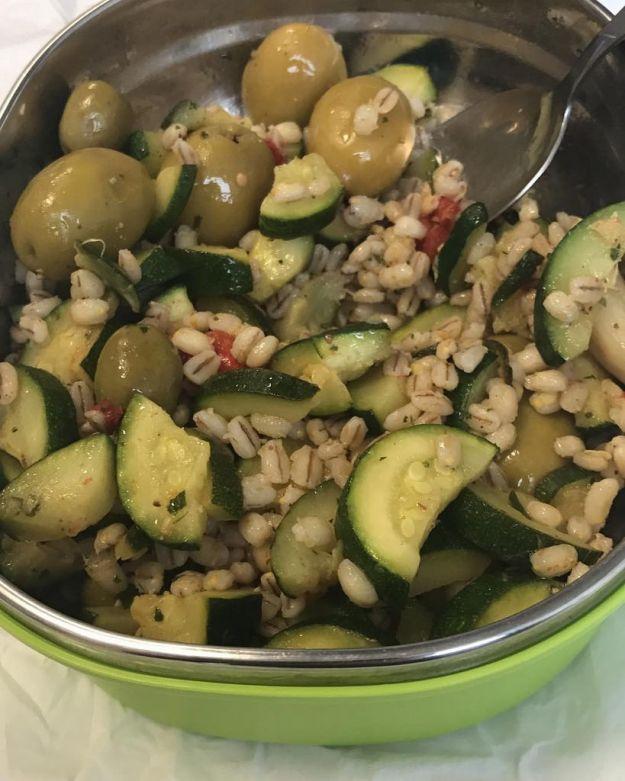 insalata di farro con zucchine