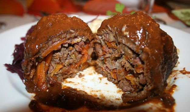 Involtini di carne al sugo di funghi