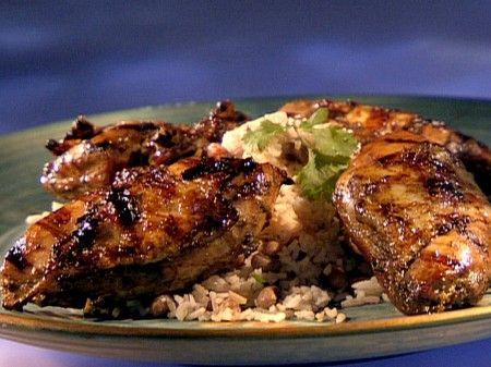 Jerk di pollo con riso e fagioli