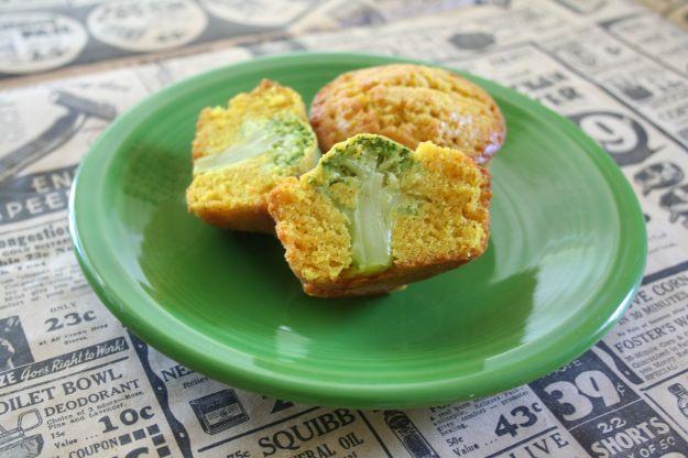Muffin con i broccoli a forma di albero