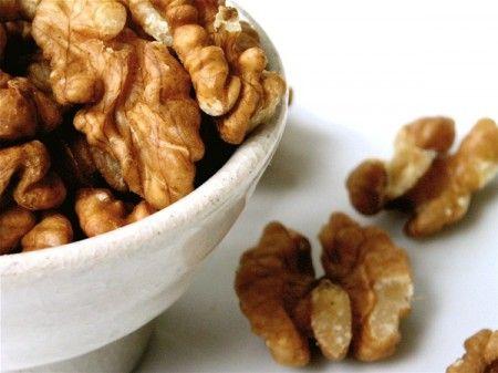 Fagottini di noci e semi di papavero